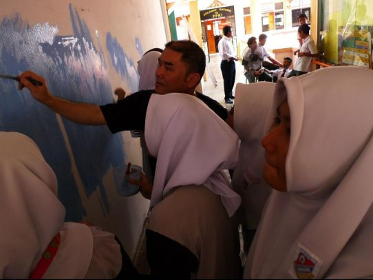 Mural painting workshop at SMK Bandar Baru Sentul